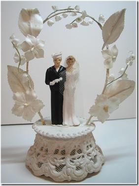 vintage-wedding-cake-topper342[1]