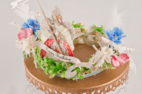 F - Marie Antoinette Crown Top View