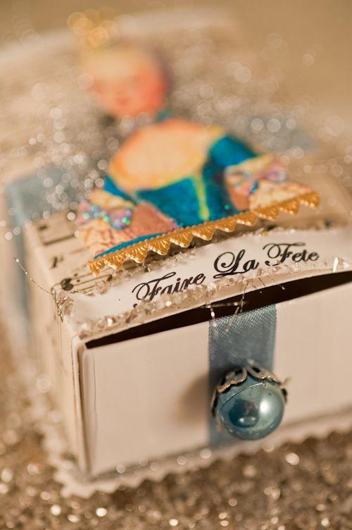 O - Marie Antoinette Trinket Box Detail